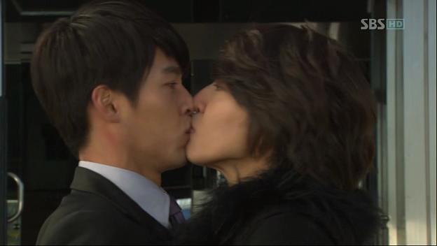 Сериалы корейские - 13 - Страница 20 20101210_seoulbeats_secret-garden