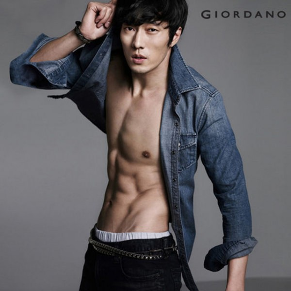 Top-10-Chocolate-Abs-ranked-by-MBC-s-Section-TV_38
