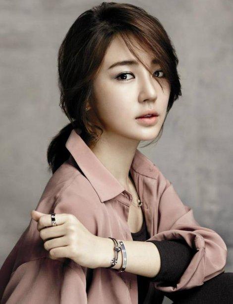 yoon-eun-hye-and-cartier-love-bracelet-gallery